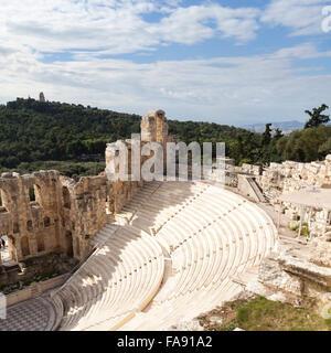 Das Odeon des Herodes Atticus, auch genannt Herodeon, antiken steinernen Theater auf der Akropolis von Athen, Griechenland - Stockfoto