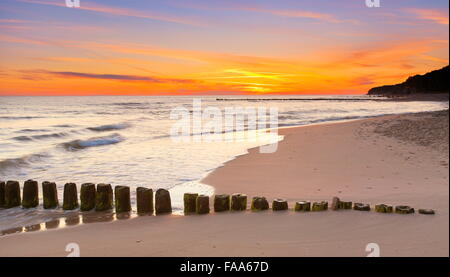 Sonnenuntergang Landschaft am Ostsee, Pommern, Polen - Stockfoto