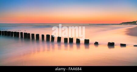 Der Ostsee nach Sonnenuntergang, Pommern, Polen - Stockfoto
