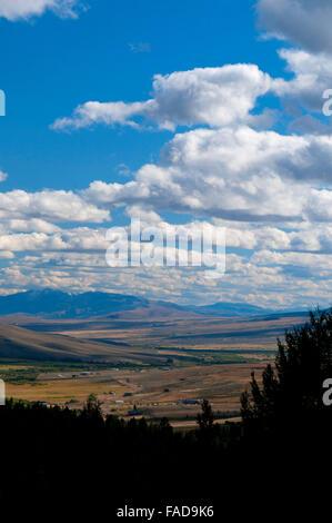 Grasshopper-Talblick, Pioneer Mountains National Scenic Byway, Beaverhead Deerlodge National Forest in Montana - Stockfoto