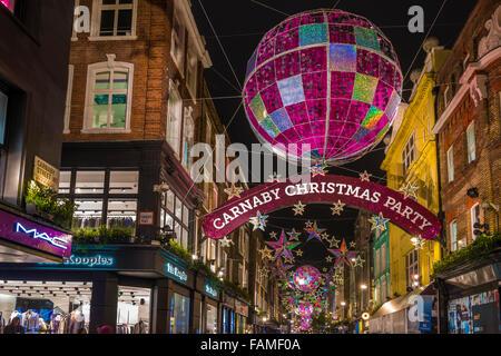 Weihnachtsbeleuchtung auf der Carnaby Street, London UK - Stockfoto