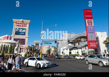 Ecke des Las Vegas Boulevard und Caesars Palace fahren, Las Vegas, Nevada. - Stockfoto