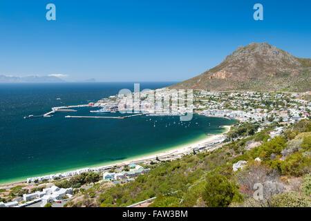 Simons Town und den Hafen in der False Bay an der Küste des Indischen Ozeans in Cape Town, Südafrika. - Stockfoto