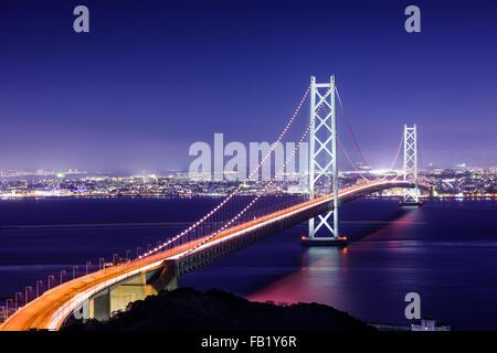 Akashi-Kaikyo-Brücke überspannt die Seto-Inlandsee von Awaji Insel, Kobe, Japan.