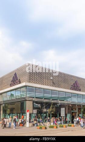Adidas Outlet speichern, Outlet City Metzingen, Baden-Württemberg, Deutschland - Stockfoto