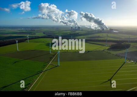 Luftbild, Kraftwerk Neurath und BoA 2 und 3 Kraftwerk Neurath, hintere Kraftwerk Niederaußem, Windkraftanlagen - Stockfoto