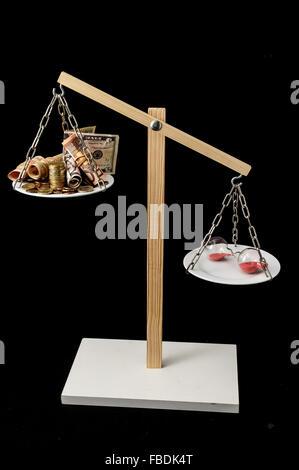 Uhrzeit und Währung Zeit ist Geld-Konzept - Stockfoto