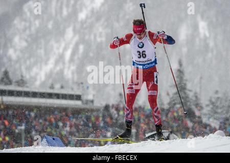 Ruhpolding, Deutschland. 13. Januar 2016. Tarjei Boe Norwegens in Aktion während der Männer 20km Lauf bei den Biathlon - Stockfoto