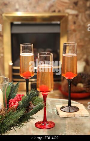 Festliche Getränke zur Weihnachtszeit - Stockfoto