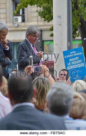 Superbe Manifestation Des Notaires Devant La Präfektur De Marseille Le 17 Septembre  2014. Mich Gerard Prevot