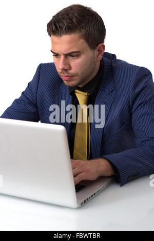 Junge Unternehmer arbeiten an er ist Notebook - Stockfoto