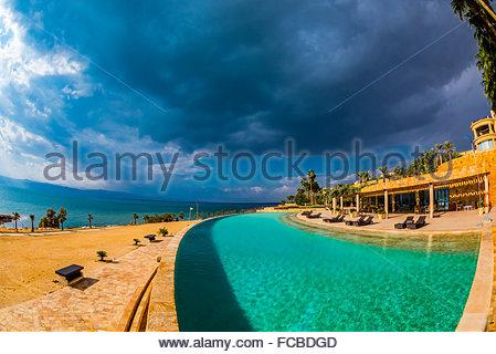 pool in der erde infinity pool best hotel in bali nord munduk moding plantation with pool in. Black Bedroom Furniture Sets. Home Design Ideas
