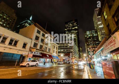 Nachtansicht des San Francisco Chinatown in Nord-Kalifornien, Vereinigte Staaten von Amerika. Ein Blick auf das - Stockfoto