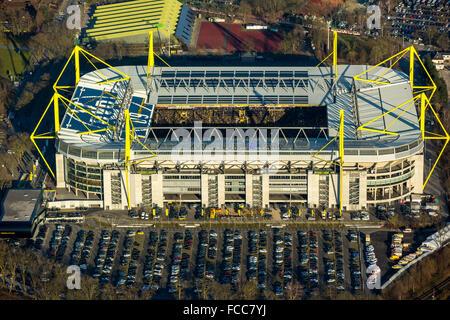 Luftaufnahme, endete Revierderby im Signal Iduna Park, Borussia Dortmund vs. FC Schalke 04 3:0 im Dortmunder Westfalenstadion, - Stockfoto
