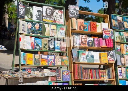 Che Guevara Fidel Castro, Bücher über, zum Verkauf an der Plaza de Armas, Havanna-Kuba