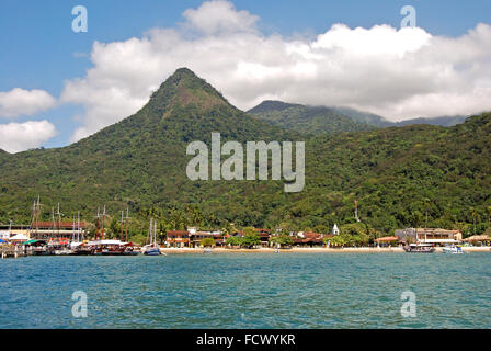 Ilha Grande Insel: Blick auf den Hafen von Vila Abraão, Rio De Janeiro Zustand, Brasilien, Südamerika - Stockfoto