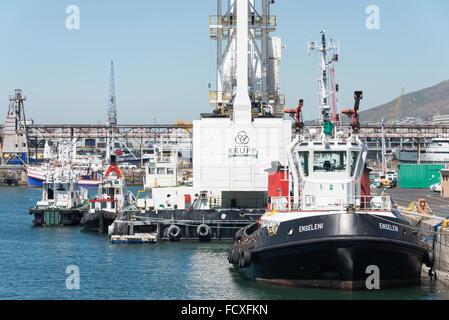 Angelboote/Fischerboote im Hafen, Victoria & Albert Waterfront, Kapstadt, Westkap, Südafrika - Stockfoto