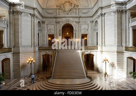Interieur des Rathauses im Herzen der Civic Center von San Francisco, Kalifornien, USA - Stockfoto