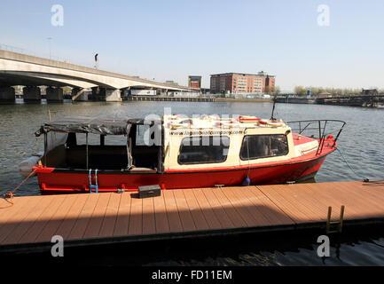 Fluss Lagan Belfast, Ausgangspunkt der Titanic Bootstouren Bootstouren um Belfast - Belfast Hafen vorbei an der - Stockfoto