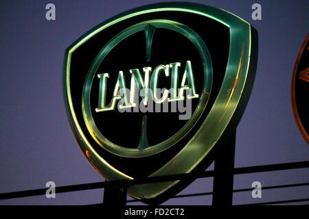 "Das Logo der Marke ""Lancia"", Berlin. - Stockfoto"