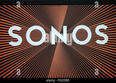 "Das Logo der Marke ""Sonos"", Berlin. - Stockfoto"