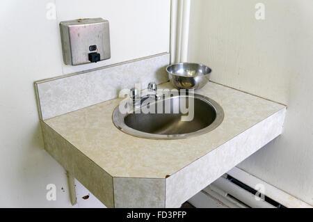 ffentliche waschbecken stockfoto bild 60376580 alamy. Black Bedroom Furniture Sets. Home Design Ideas
