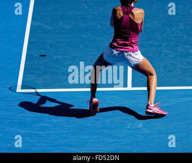 Melbourne, Australien. 28. Januar 2016. Johnana Konta (GBR) in Aktion gegen Angelique Gerber (GER) während ihre - Stockfoto