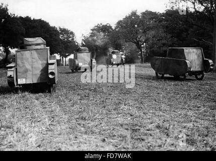 Dummy-Panzer während der Reichswehr Manöver, 1932 - Stockfoto