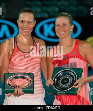 Melbourne, Australien. 29. Januar 2016. Der Vizemeister der Damen Doppel Meisterschaft Andrea Hlavackova und Lucie - Stockfoto