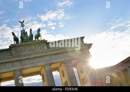 Berlin, Brandenburger Tor, die Quadriga statue - Stockfoto