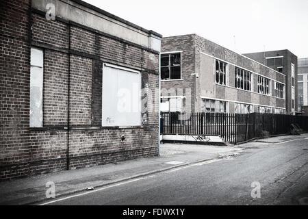 Industriebrachen und stieg bis gewerbliche Immobilien in Leeds, UK. - Stockfoto