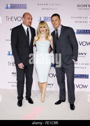 """Michael Sucsy, Channing Tatum und Rachel McAdams auf der Los Angeles Premiere von """"The Vow"""" statt, bei der Graumans - Stockfoto"""