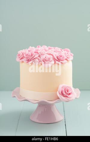Kuchen mit Zucker Rosen - Stockfoto