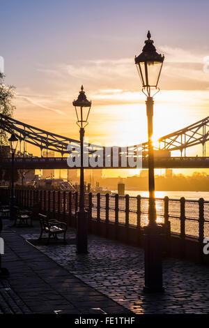Winter Sunrise, Themse, London, England, Vereinigtes Königreich - Stockfoto