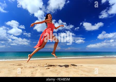 Mädchen am strand kennenlernen