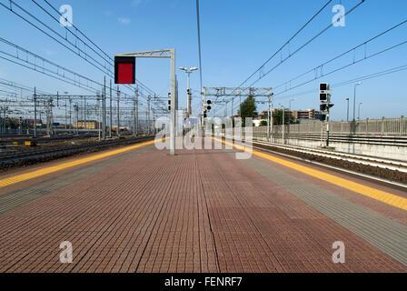 Schienen Sie in einem Bahnhof in Mailand