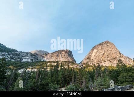 Liberty Cap, Nebel Trail, Yosemite-Nationalpark, Kalifornien, USA, Nordamerika - Stockfoto
