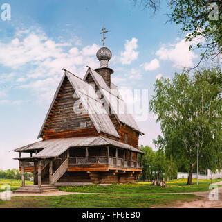 Traditionelle russische hölzerne hölzerne Kirche St. Nikolaus in Susdal. Goldenen Ring von Russland. - Stockfoto