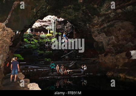 Höhle, Jameo Grande, Kunst und Kultur Zentrum Jameos del Agua, entworfen von César Manrique, Lanzarote, Kanarische - Stockfoto
