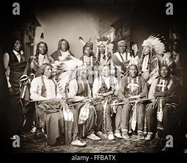 Red Cloud und die amerikanischen Ureinwohner. Red Bear, junge Mann Angst vor seinem Pferd, gute Stimme, Ring Donner, - Stockfoto
