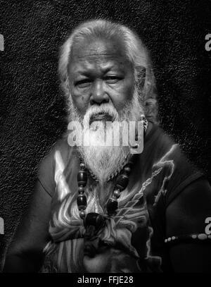 Asiatischer mann, der schwarze frauen sucht