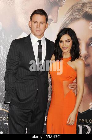 """Schauspieler Channing Tatum und Jenna Dewan kommen an der """"Jupiter Aufsteigend' Los Angeles Premiere auf TCL Chinese - Stockfoto"""