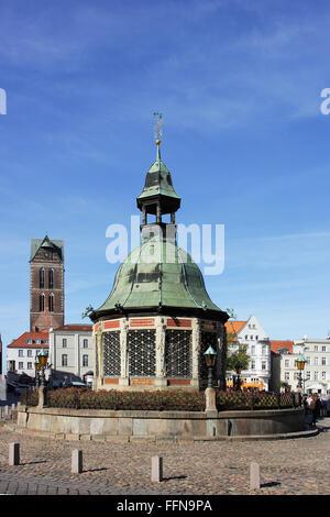 Geographie/Reisen, Deutschland, Mecklenburg-Vorpommern, Wismar, Markt, Wasserkunst, Additional-Rights - Clearance - Stockfoto