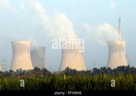Thermisches Kraftwerk II von Neyveli Braunkohle Corporation begrenzt NLC, Tamil Nadu, Indien - Stockfoto