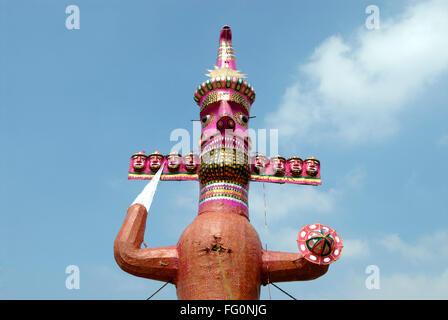 Zehn Köpfe Dämonenkönig von Lanka Ravana gemacht für Dahan Dassera fest Shivaji Park Dadar Bombay Mumbai Maharashtra - Stockfoto