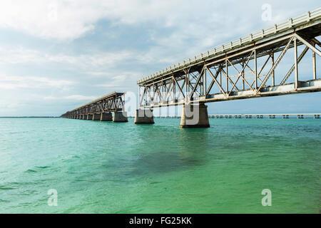 Historische Eisenbahnbrücke im Bahia Honda State Park in der Florida. - Stockfoto