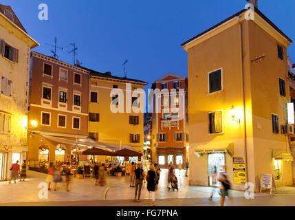 Geographie/Reisen, Kroatien, Istrien, Rovinj, Altstadt am Abend, Blick in der Ulica Edmonda de Amicisa, Additional - Stockfoto