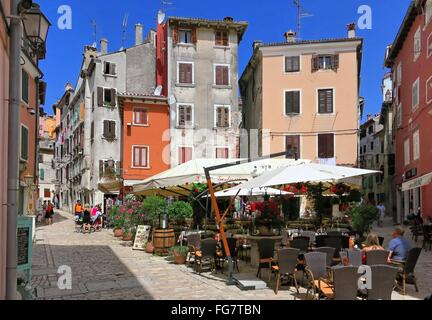 Geographie/Reisen, Kroatien, Istrien, Rovinj, Gasse in der Altstadt, Additional-Rights - Clearance-Info - Not-Available - Stockfoto