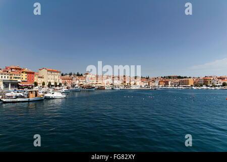 Geographie/Reisen, Kroatien, Istrien, Rovinj, Boote im Hafenbecken, Additional-Rights - Clearance-Info - Not-Available - Stockfoto