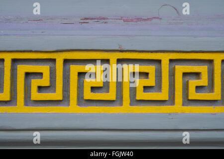 Labyrinth-artigen geschnitzten Muster auf eine Tür in der Altstadt, Tallinn, Estland - Stockfoto